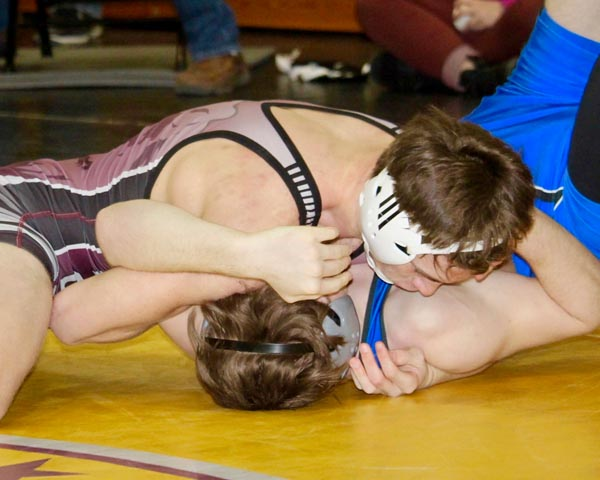 Wolves send 7 wrestlers to State Class A Tournament