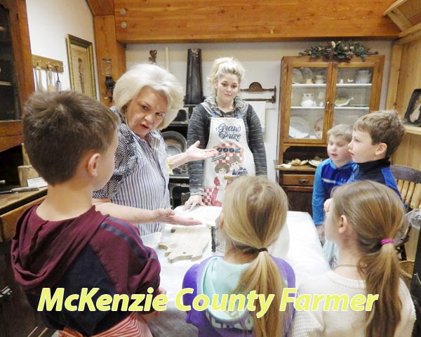 Pioneer roots reach out to second graders