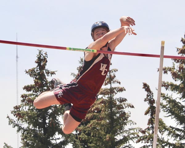 Wolves qualify 23 for State Track