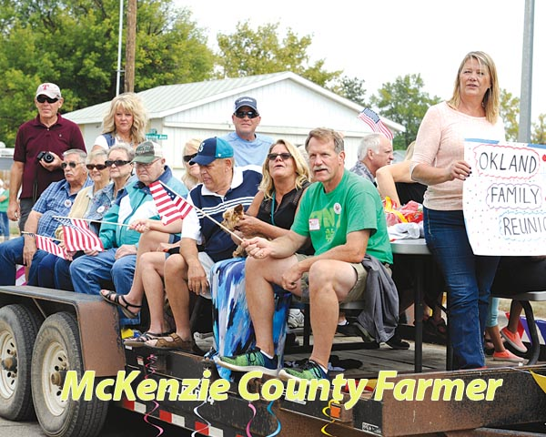Old Settlers' Day honors Lewis couple